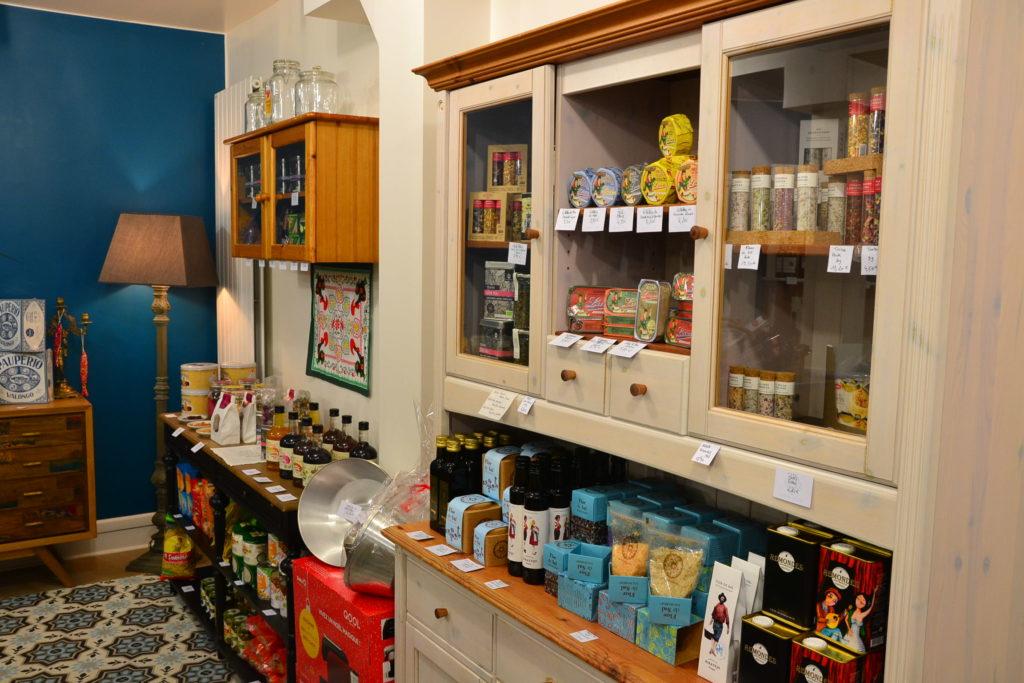 Epicerie fine portugaise Comptoir Saudade 27 bis rue de la Jonquière 75017 Paris produits portugais ©Petitscommerces.fr petit commerce petits commerces 12