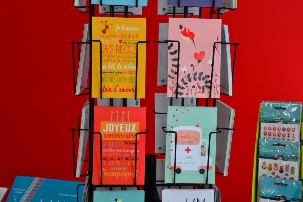 LE ZÈBRE ROUGE librairie jeunesse papeterie 33 rue Brochant 75017 Paris livres albums cadeaux ©Petitscommerces.fr petit commerce petits commerces 5