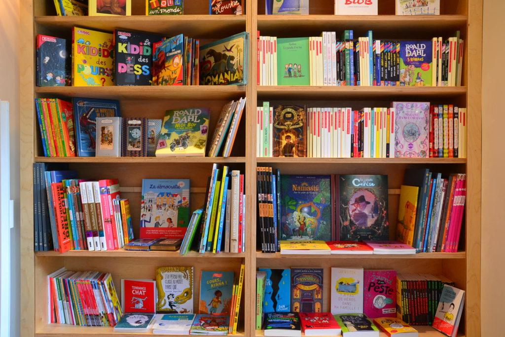 Librairie Comme une Orange 46 Rue Bayen 75017 Paris livres polars ©Petitscommerces.fr petit commerce petits commerces 6