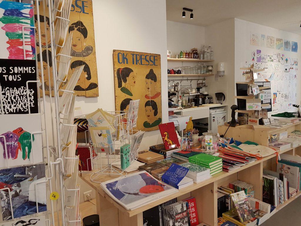 Librairie cafe La Reguliere livres Goutte d'or Chateau Rouge Paris 18 romans beaux livres, bandes dessinées, livres jeunesse papeterie Myrha