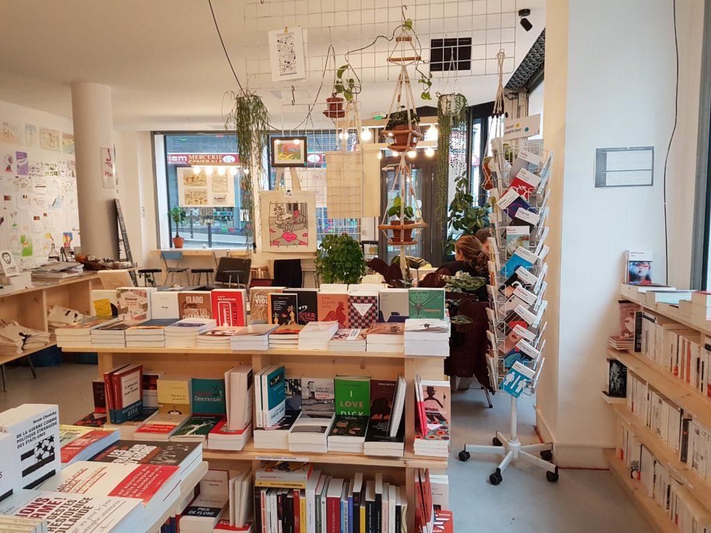 Librairie cafe La Reguliere livres Goutte d'or Chateau Rouge Paris 18 romans beaux livres, bandes dessinées, livres jeunesse plantes Myrha