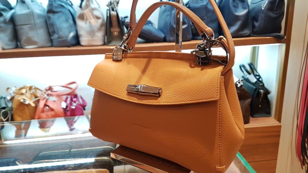 bagadie-specialiste-maroquinerie-bagage-rue-du-commerce-paris-15-longchamp-mac-douglas-lancaster-le-tanneur-lacoste-furla-nat-et-nin-petite-mandigote-save-my-bag-3