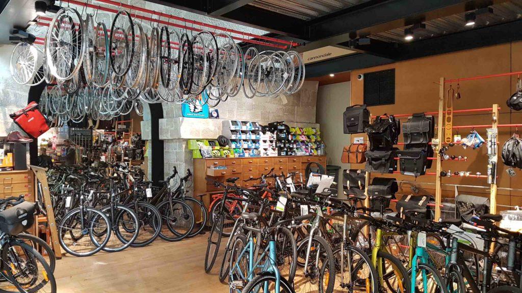 bicloune-boutique-de-velos-daumesnil-paris-12-bicyclettes-cycles-hollandais-cannondale-kona-gazelle-brompton-int