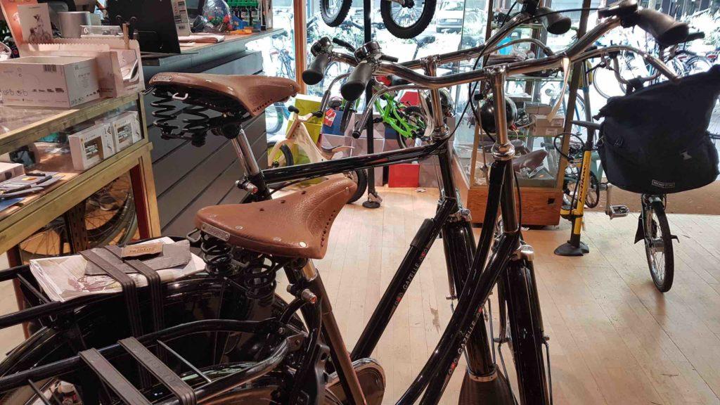 bicloune-boutique-de-velos-daumesnil-paris-12-bicyclettes-cycles-hollandais-cannondale-kona-gazelle-brompton-pays-bas