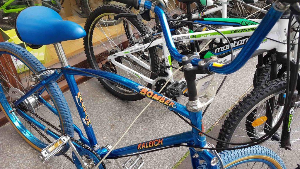 bicloune-boutique-de-velos-daumesnil-paris-12-bicyclettes-cycles-hollandais-cannondale-kona-gazelle-brompton-vintage