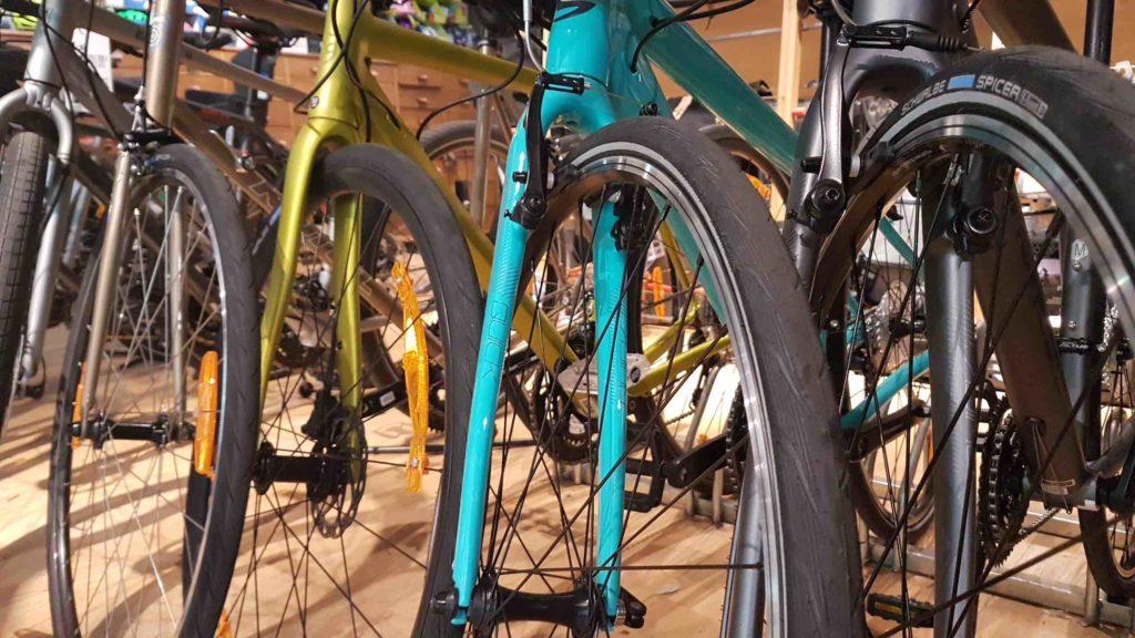 bicloune-boutique-de-velos-daumesnil-paris-12-bicyclettes-cycles-hollandais-cannondale-kona-gazelle-brompton-zoom