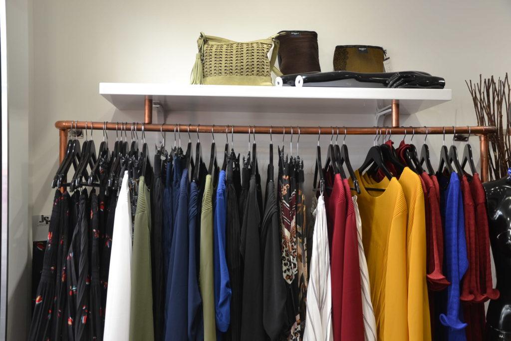 boutique-de-createurs-modafricart-by-leonnel-levi-17-rue-la-vieuville-75018-paris-plisse-made-in-france-petitscommerces-fr-petits-commerces-10