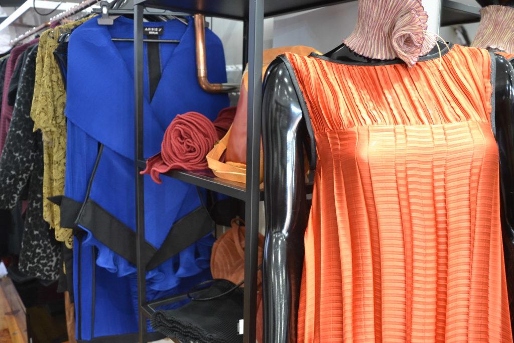 Boutique de créateurs Modafricart by Leonnel Levi 17 rue La Vieuville 75018 Paris plissé made in France ©Petitscommerces.fr petits commerces 5