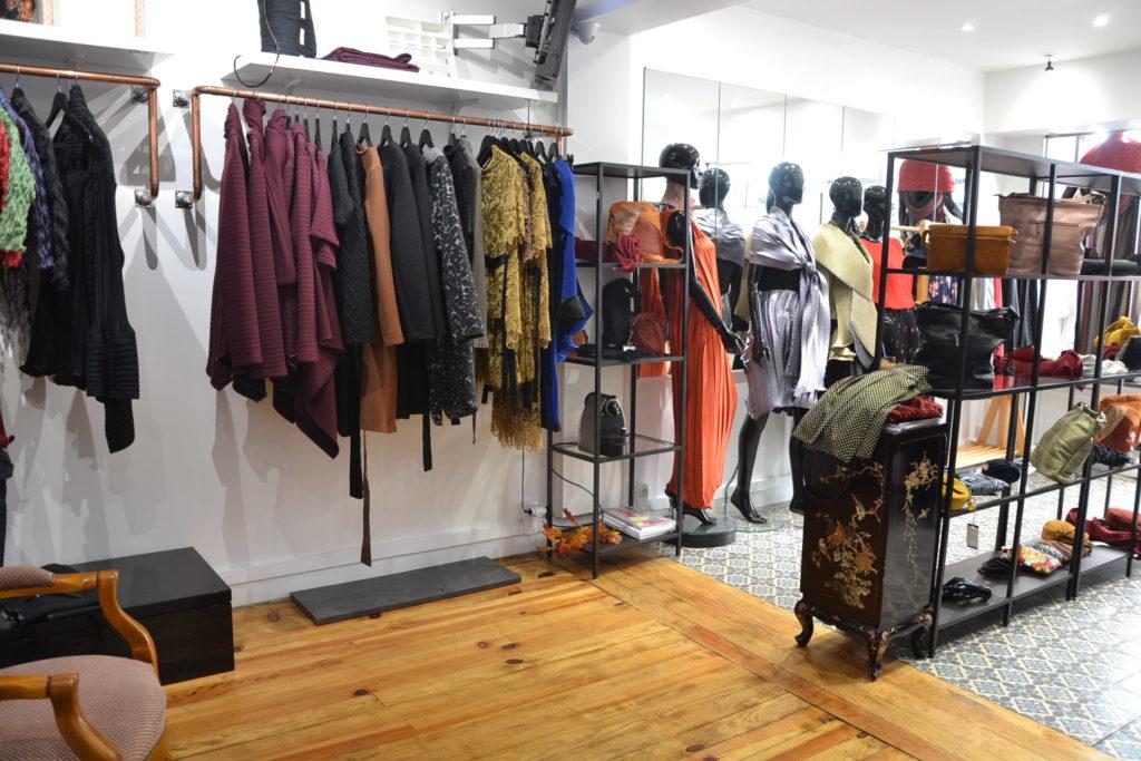 Boutique de créateurs Modafricart by Leonnel Levi 17 rue La Vieuville 75018 Paris plissé made in France ©Petitscommerces.fr petits commerces 7