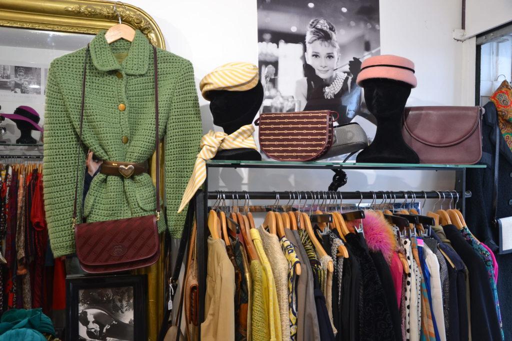 Boutique de créateurs Prisca Paris 69 rue du Mont-Cenis 75018 Paris mode vintage femmes Montmartre ©Petitscommerces.fr petits commerces 7