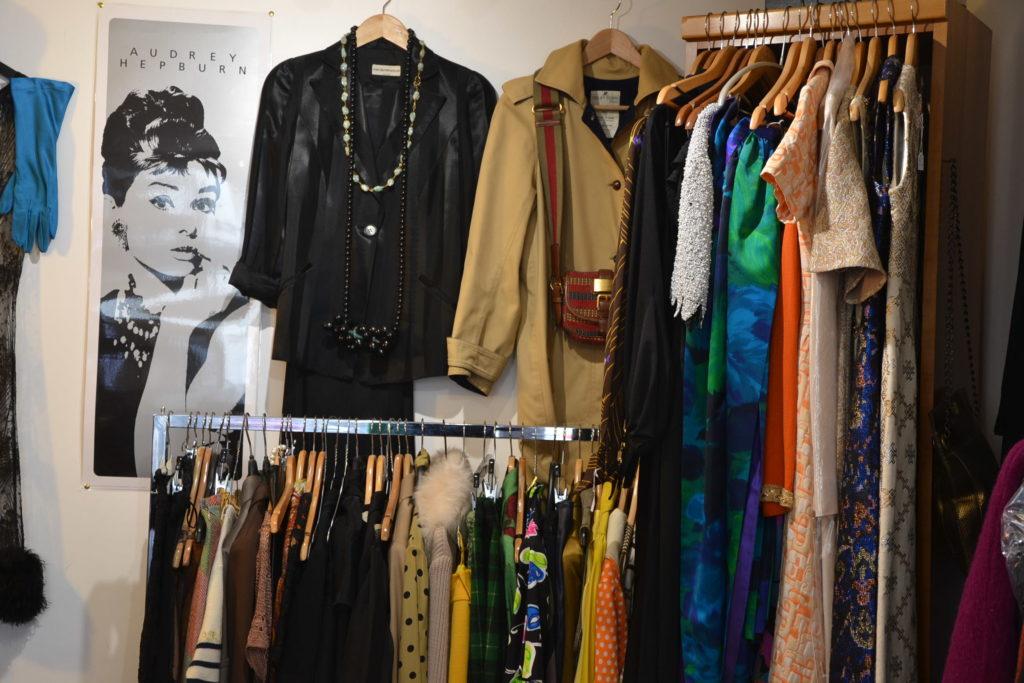Boutique de créateurs Prisca Paris 69 rue du Mont-Cenis 75018 Paris mode vintage femmes Montmartre ©Petitscommerces.fr petits commerces 5