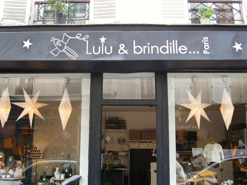 boutique-de-decoration-enfants-maison-cadeau-lulubrindille-deco-abbesses-made-in-montmartre-paris-18-veron-vetements-chambre-enfants-kids-devanture.jpg