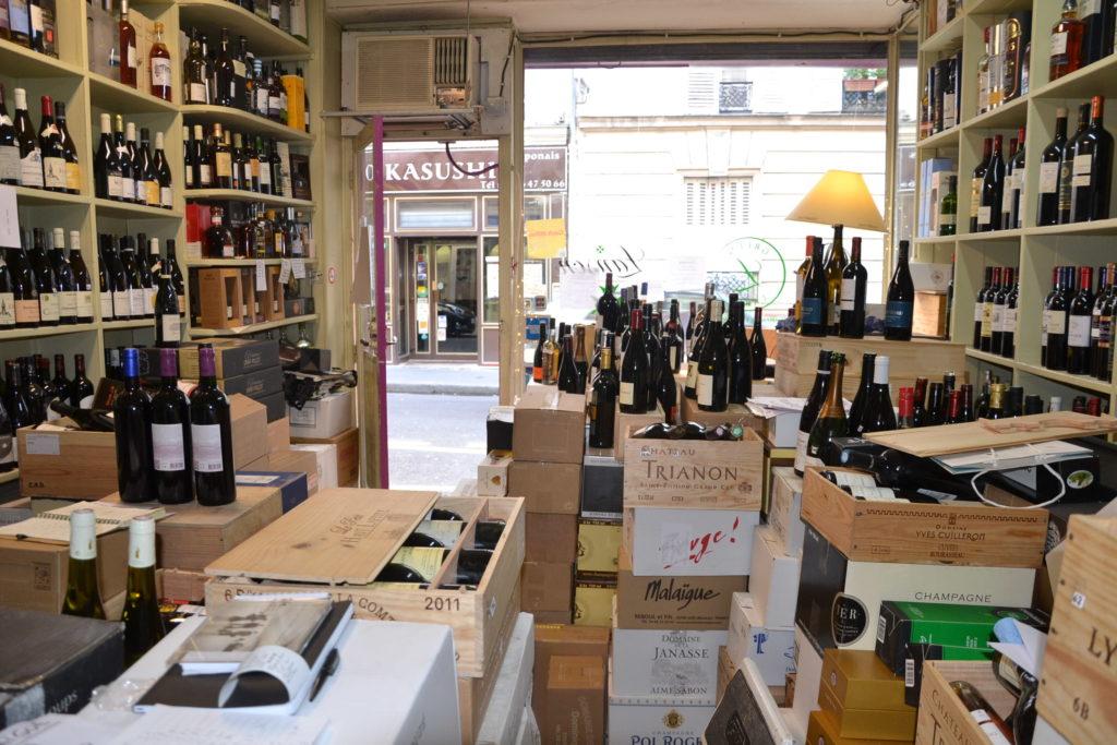 Caves de Passy caviste Paris 16 3 rue Duban cave à vins grands crus conseils Philippe Charmat devanture vue