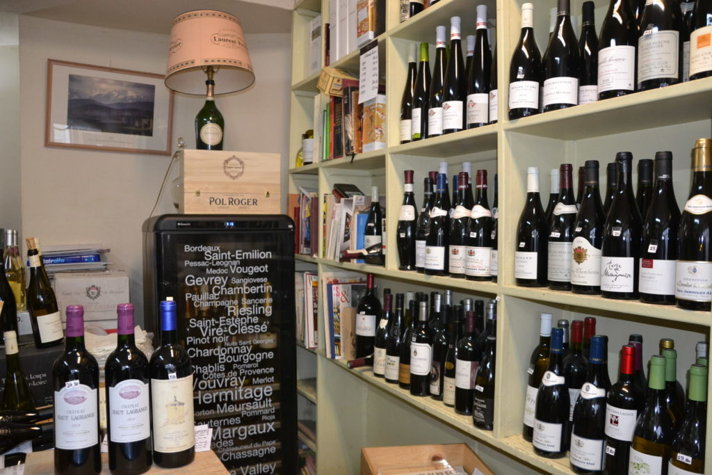 Caves de Passy caviste Paris 16 3 rue Duban cave à vins grands crus conseils Philippe Charmat frigo champagnes