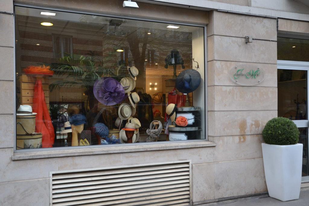 Chapellerie Jardin de la Mode 11 rue Poussin 75016 Paris chapeaux crémonies panamas ©Petitscommerces.fr petits commerces 4