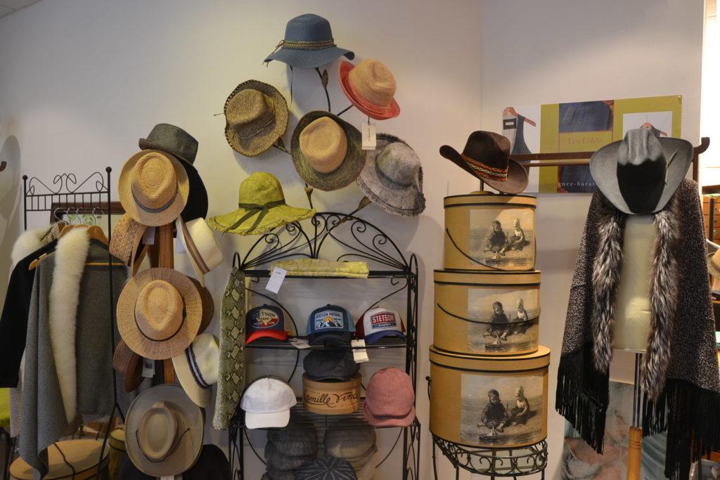 Chapellerie Jardin de la Mode 11 rue Poussin 75016 Paris chapeaux crémonies panamas ©Petitscommerces.fr petits commerces 7