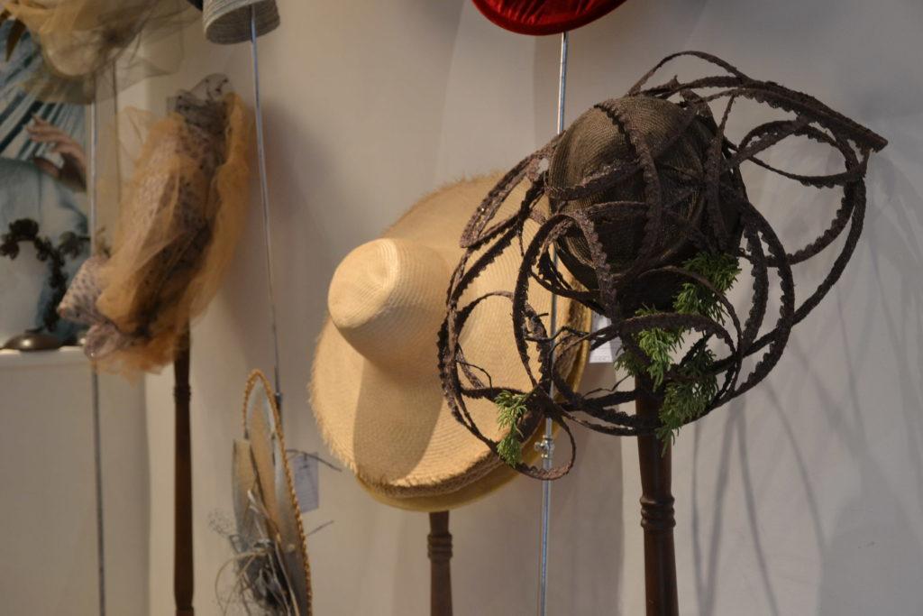 Chapellerie Jardin de la Mode 11 rue Poussin 75016 Paris chapeaux crémonies panamas ©Petitscommerces.fr petits commerces 9