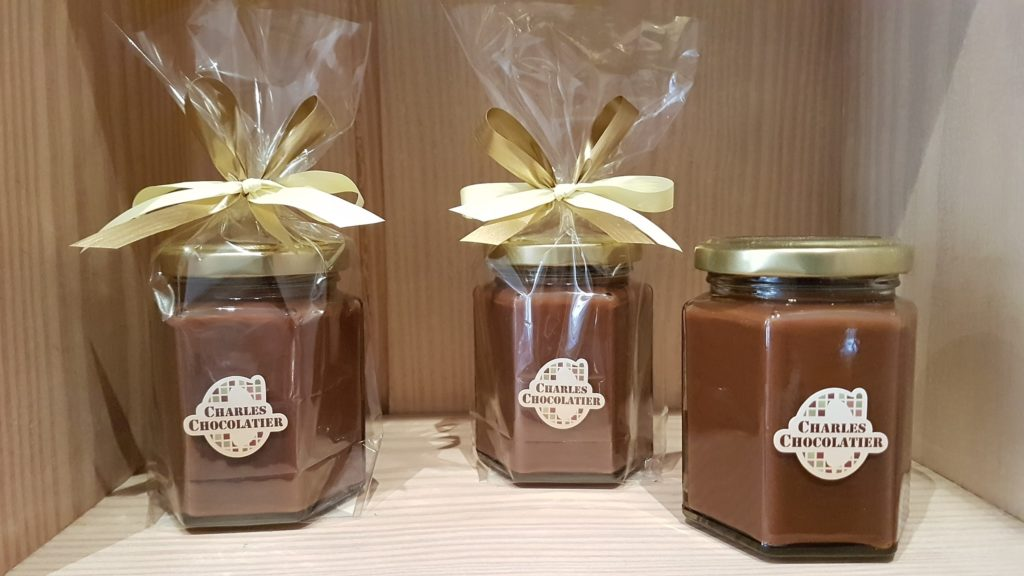 chocolaterie-charles-chocolatier-montorgueil-bonbons-chocolat-praline-tablettes-macarons-glace-paris-75001-halles-artisanal-pate-a-tartiner