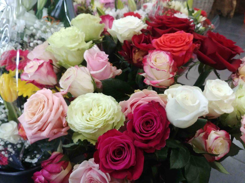 Fleurs de l'Olympe fleuriste Goussainville centre commercial Carrefour Gonesse Arnouville fleurs fraiches de qualité fleurs roses éternelles bouquet rose