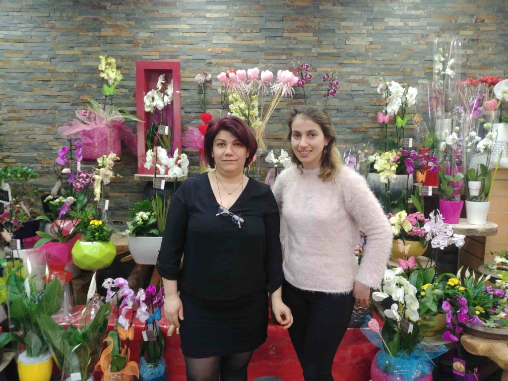 Fleurs de l'Olympe fleuriste Goussainville centre commercial Carrefour Gonesse Arnouville fleurs fraiches de qualité fleurs roses éternelles bouquet rose bocal
