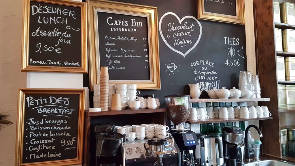 la-bossue-patisserie-salon-de-the-paris-18-joseph-de-maistre-montmartre-viennoiseries-financiers-gateaux-gouter-brunch-cafe