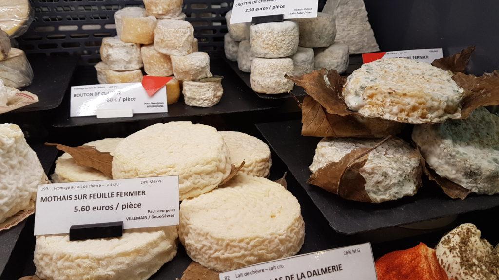 lamie-paulette-fromagerie-paris-13-bobillot-butte-aux-cailles-primeur-cave-epicerie-fabien-mahe-chevres-petitscommerces-fromage-affines