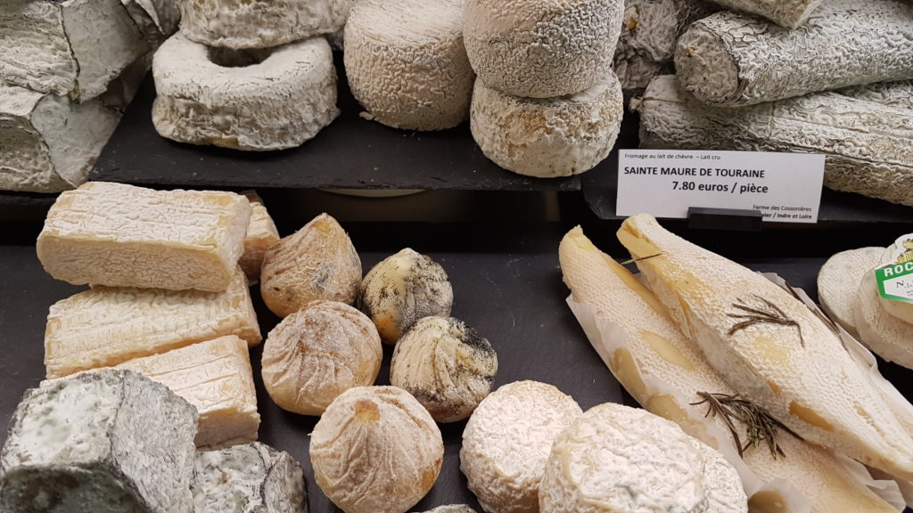 lamie-paulette-fromagerie-paris-13-bobillot-butte-aux-cailles-primeur-cave-epicerie-fabien-mahe-chevres-petitscommerces-fromages-frais