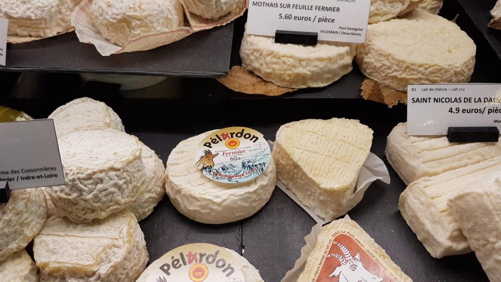 lamie-paulette-fromagerie-paris-13-bobillot-butte-aux-cailles-primeur-cave-epicerie-fabien-mahe-chevres-petitscommerces-pelardon