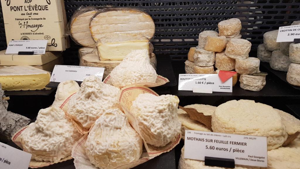 lamie-paulette-fromagerie-paris-13-bobillot-butte-aux-cailles-primeur-cave-epicerie-fabien-mahe-chevres-petitscommerces-vitrine4