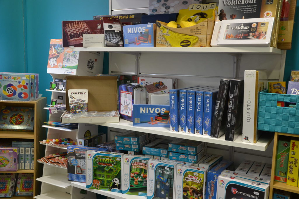 L'Ile à jeux boutique de jeux de société 6 rue du Pré Saint-Gervais 93260 Les Lilas jeux de stratégie jeux d'ambiance ©Petitscommerces.fr petits commerces 7