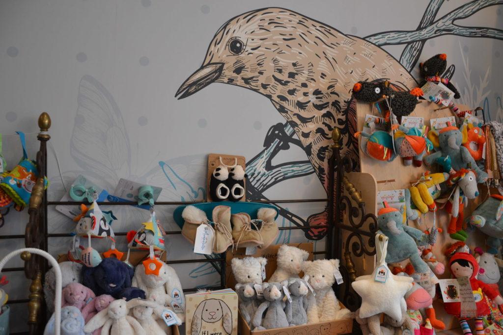 Mamounetta boutique de jouets pour enfants Colombes avenue Henri Barbusse jeux maroquinerie boutique Vilac Buki Djeco peluches