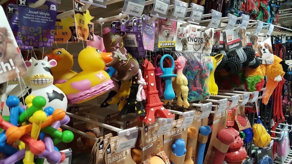 mascottes-animalerie-chien-chat-rongeurs-poissons-aquariophilie-accessoires-animaux-magasin-jouet
