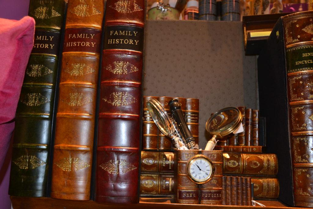 Massenet by Lina boutique de décoration idées cadeaux Paris 16 lampes, cadres