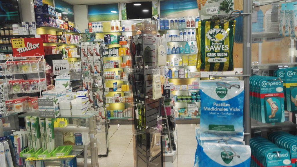 pharmacie-la-butte-montmartre-franck-laura-rue-lepic-abbesses-pharmacien-paris-18-orthopedie-homeopathie-complements-vitamines-cosmetiques-officine.jpeg