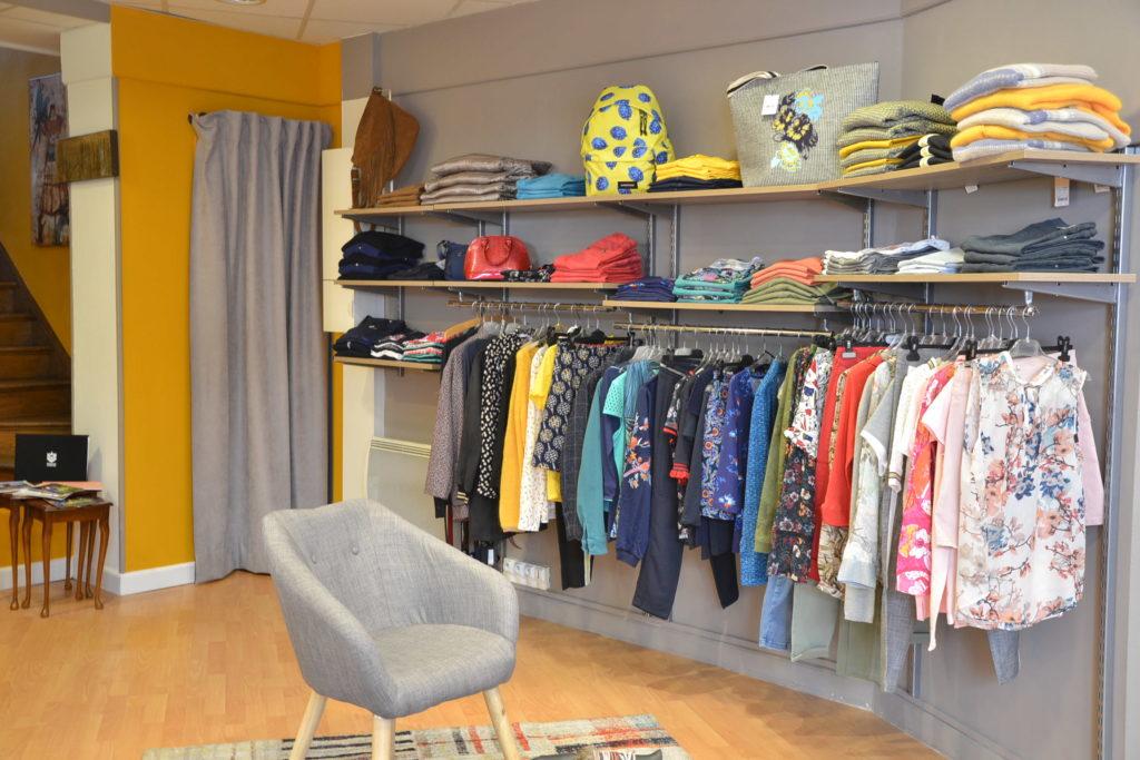 Prêt-à-porter A'loa 8 rue Daniel Lereuil 62140 Hesdin vêtements femmes hommes ©Petitscommerces.fr petits commerces 8