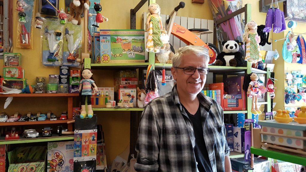 tatanka-boutique-de-jouets-et-de-jeux-rue-pradier-19eme-paris-buttes-chaumont-pascal-vue