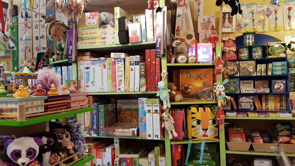 tatanka-boutique-de-jouets-et-de-jeux-rue-pradier-19eme-paris-buttes-chaumont-pascal-livres