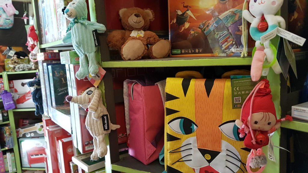 tatanka-boutique-de-jouets-et-de-jeux-rue-pradier-19eme-paris-buttes-chaumont-pascal-magasin1