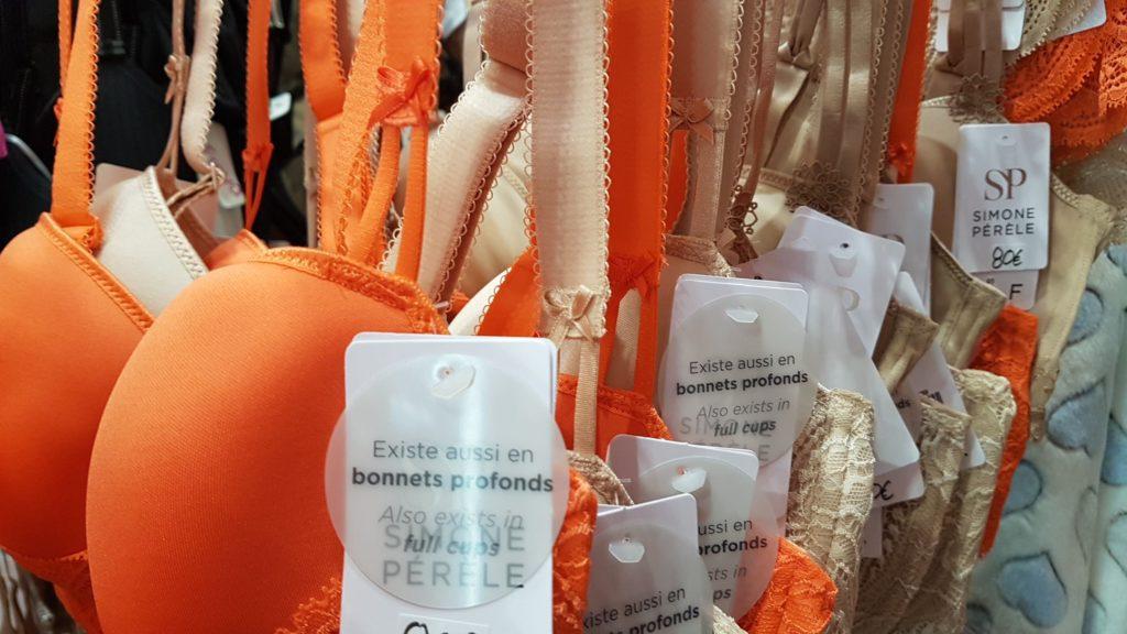 un-amour-de-lingerie-paris-rue-montmartre-lingerie-gainante-invisible-grandes-tailles-bonnets-profonds-lise-charmel-epure-eprise-chantal-thomass-simone-perele-antigel