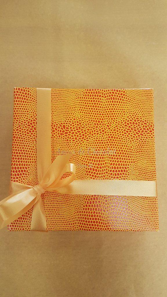 amour-de-chocolat-confiserie-chocolaterie-paris-12-michel-bizot-picpus-bel-air-75012-paques-petit-commerce-chocolats-petitscommerces-fr-boite-jaune