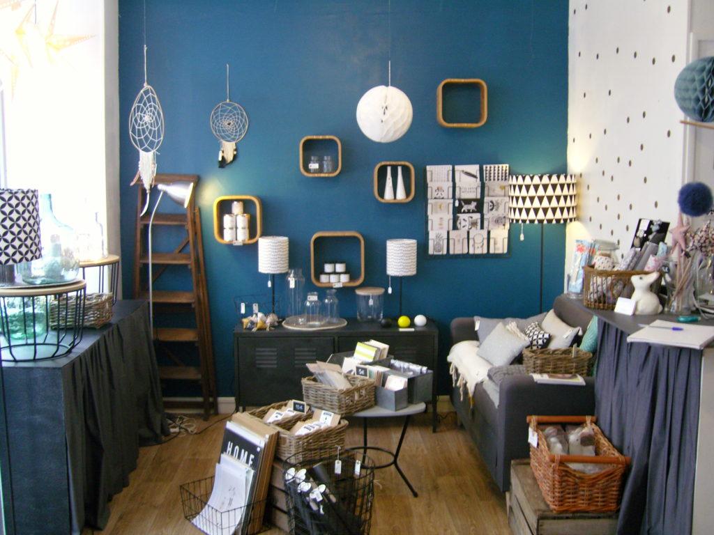 boutique-de-decoration-enfants-maison-cadeau-lulubrindille-deco-abbesses-made-in-montmartre-paris-18-veron-vetements-chambre-enfants-kids-boutique-deco.jpg