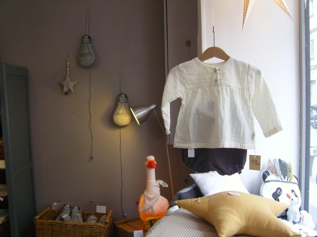 boutique-de-decoration-enfants-maison-cadeau-lulubrindille-deco-abbesses-made-in-montmartre-paris-18-veron-vetements-chambre-enfants-kids-interieur-oie.jpg