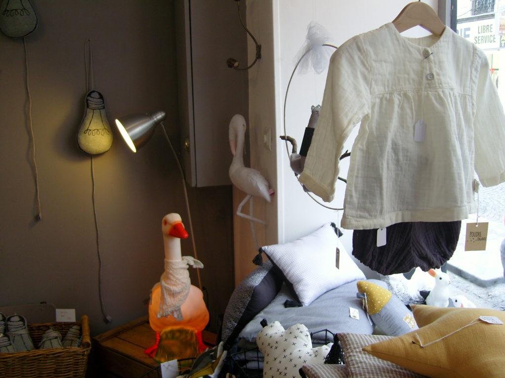 boutique-de-decoration-enfants-maison-cadeau-lulubrindille-deco-abbesses-made-in-montmartre-paris-18-veron-vetements-chambre-enfants-kids-interieur-oie-2.jpg