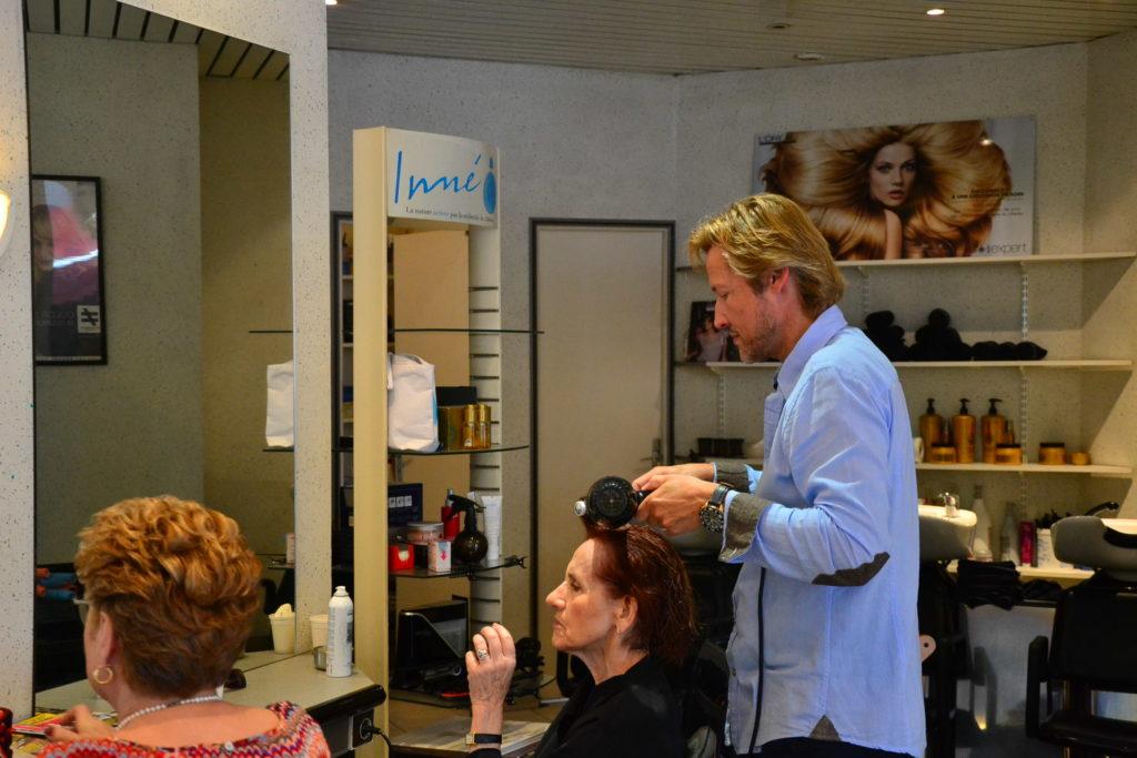 Coiffeur Paris 18 salon coiffure la chapelle coupe cheveux petit commerce thierry lenoble kimberley commercant www.petitscommerces.fr