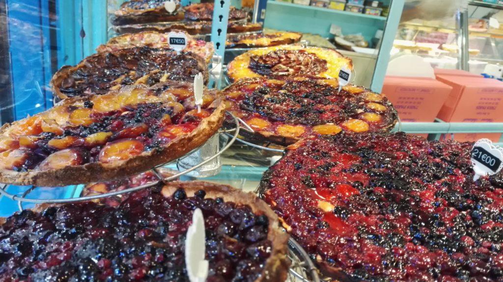 patisserie-tarterie-les-petits-mitrons-tartes-quiches-cookies-viennoiseries-croissants-gateaux-dejeuner-gouter-maison-paris-18-montmartre-petitscommerces-fr-tartes-fruits.jpeg