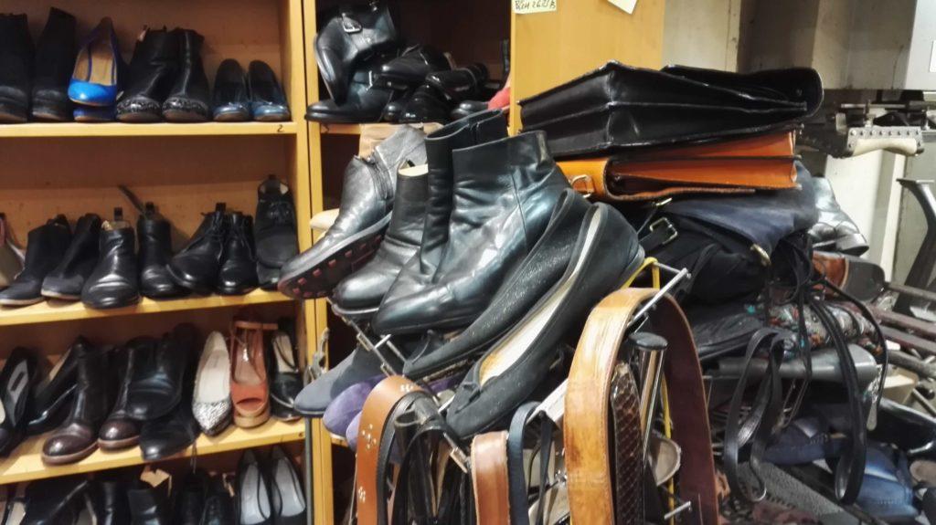 serrurerie-cordonnerie-montmartre-abbesses-serrurier-cordonnier-paris-18-ouverture-depannage-porte-clefs-cles-cirages-reparation-chaussures-maroquinerie.jpeg
