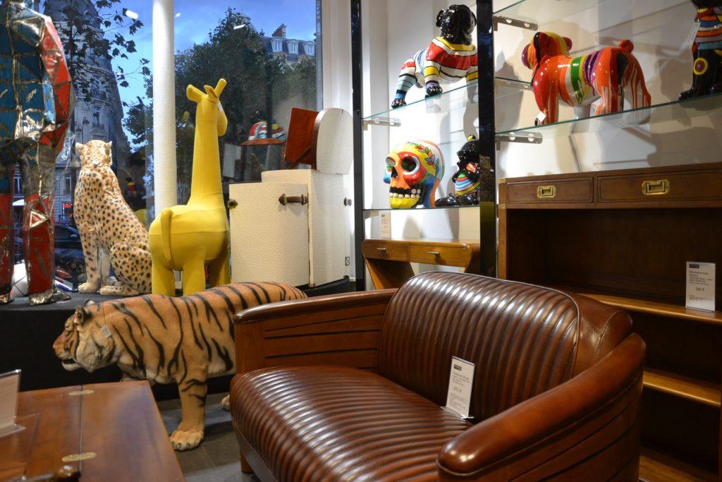 Shogun-Déco boutique de meubles et de décoration atypique 19 avenue de la Grande-Armée Paris 16 Starbay malles, meubles industriels, rétro, vintage, scupltures,interieur