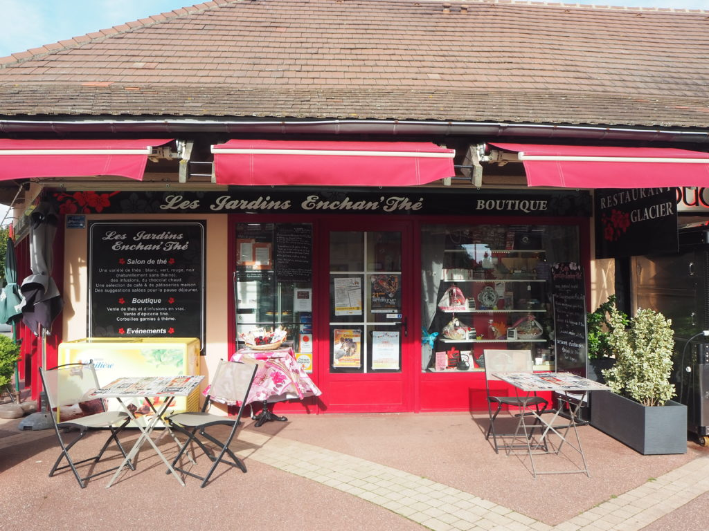 Les-Jardins-EnchanThé-Salon-de-thé-10-rue-des-Marchands-94440-Marolles-en-Brie-©Petitscommerces-2