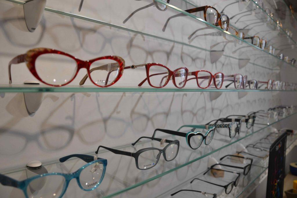 Optique-du-Vieux-Pays-opticien-6-bis-rue-de-Verdun-à-Garges-lès-Gonesse-Ray-Ban-Carrera-Michael-Kors-Burberry-Guess-Lacoste-Cazal-Naoned-Zinka-Lafont-lunettes-scaled.jpeg