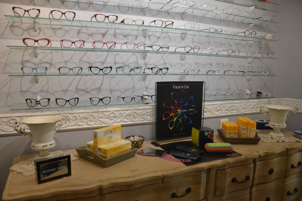 Optique-du-Vieux-Pays-opticien-6-bis-rue-de-Verdun-à-Garges-lès-Gonesse-Ray-Ban-Carrera-Michael-Kors-Burberry-Guess-Lacoste-Cazal-Naoned-Zinka-Lafont-scaled.jpeg